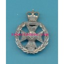 ROYAL GREEN JACKETS. WHITE METAL CAP BADGE
